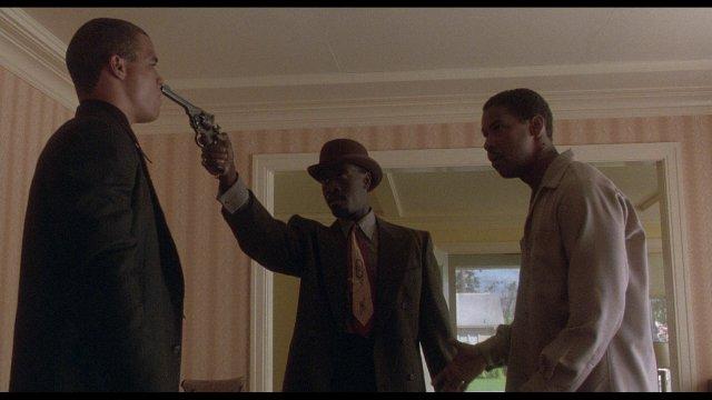 High-Def_Digest_Blu-ray_Review_Devil_In_A_Blue_Dress_Denzel_Washington_Don_Cheadle_5
